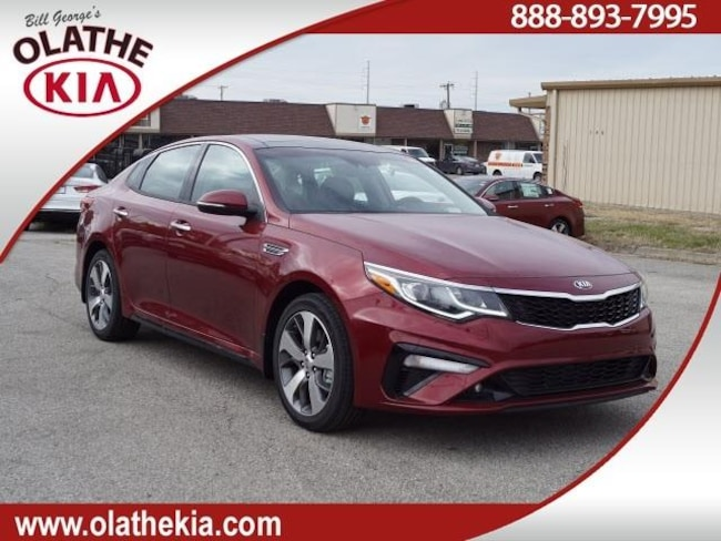 New 2019 Kia Optima Sedan Olathe, KS