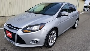 2014 Ford Focus TITANIUM HATCH S/ROOF LEATHER LOCAL ACCIDENT FREE