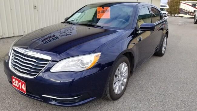 2014 Chrysler 200 LX  JUST SERVICED WARRANTY LOW PAYMENT Sedan