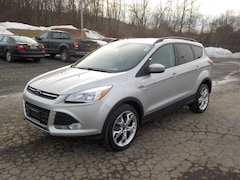 2013 Ford Escape SE Four-Wheel Drive with Locking and Limited-Slip Dif