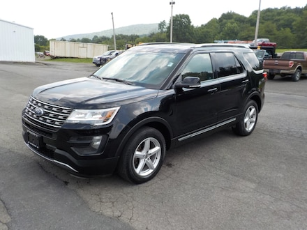 2016 Ford Explorer XLT Four-Wheel Drive with Locking Differential