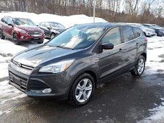 2016 Ford Escape SE Front-Wheel Drive with Limited-Slip Differential 4