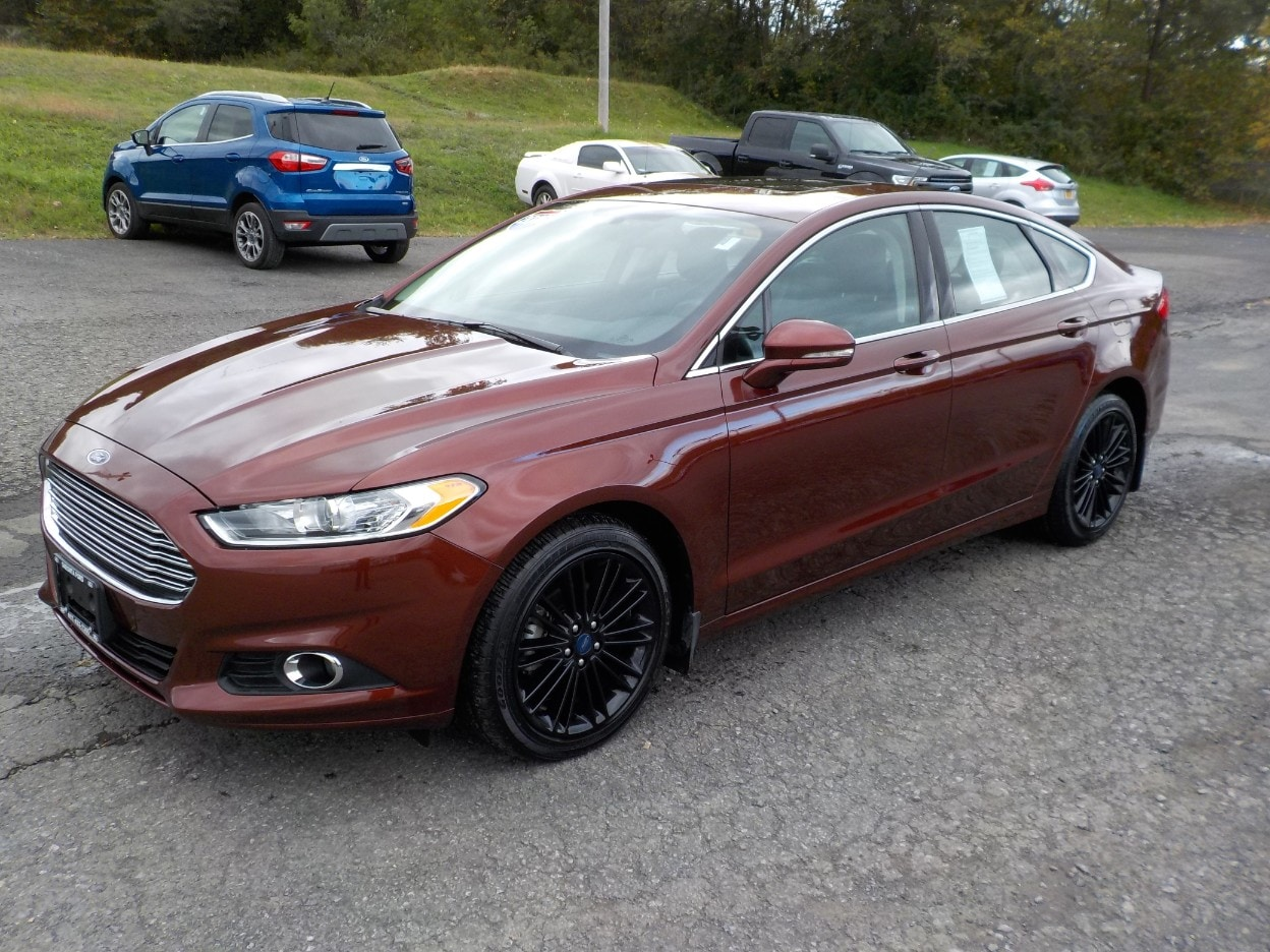 2016 Ford Fusion SE All-Wheel Drive with Locking and Limited-Slip Diff