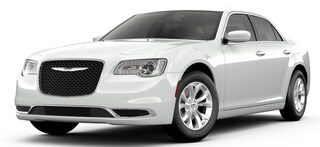 New 2019 Chrysler 300 TOURING Sedan Bowie MD