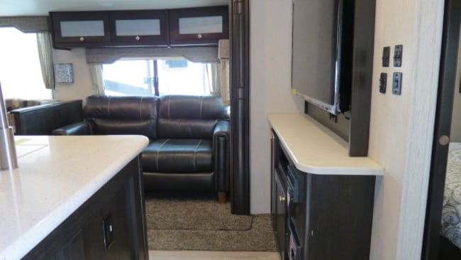 New 2019 NORTH TRAIL 31QUBH Caliber For Sale at Outdoor Champs RV
