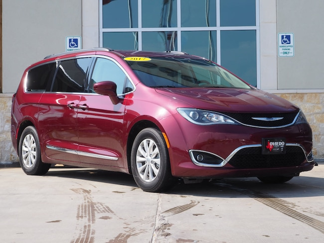 Used 2017 Chrysler Pacifica Touring-L Van Near Austin