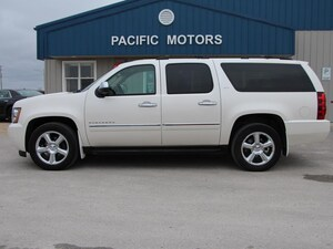 2013 Chevrolet Suburban LTZ*IMMACULATE CONDITION*DUAL DVD*BLUETOOTH* SUV