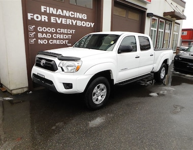 2015 Toyota Tacoma V6 4X4 BACK UP CAM Truck