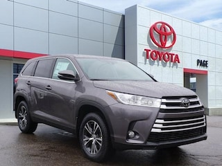 New Toyota 2019 Toyota Highlander LE Plus V6 SUV for sale near you in Southfield, MI