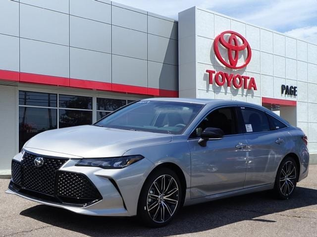 Featured New 2019 Toyota Avalon XSE Sedan for sale near you in Southfield, MI