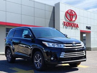 New 2019 Toyota Highlander XLE V6 SUV for sale near you in Southfield, MI