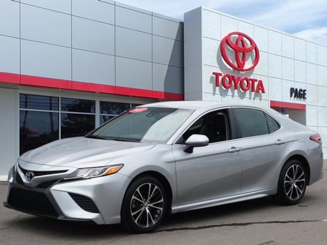 Used vehicle 2018 Toyota Camry SE Sedan for sale near you in Southfield, MI