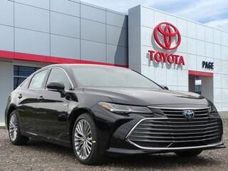 New 2019 Toyota Avalon Hybrid Limited Sedan for sale near you in Southfield, MI