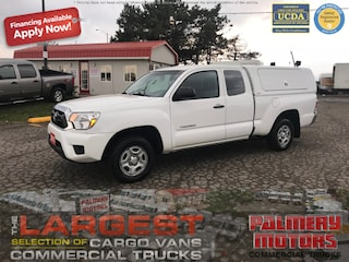 Used 2015 Toyota Tacoma Ext Cab Service Box Truck Extended Cab in Woodbridge, ON