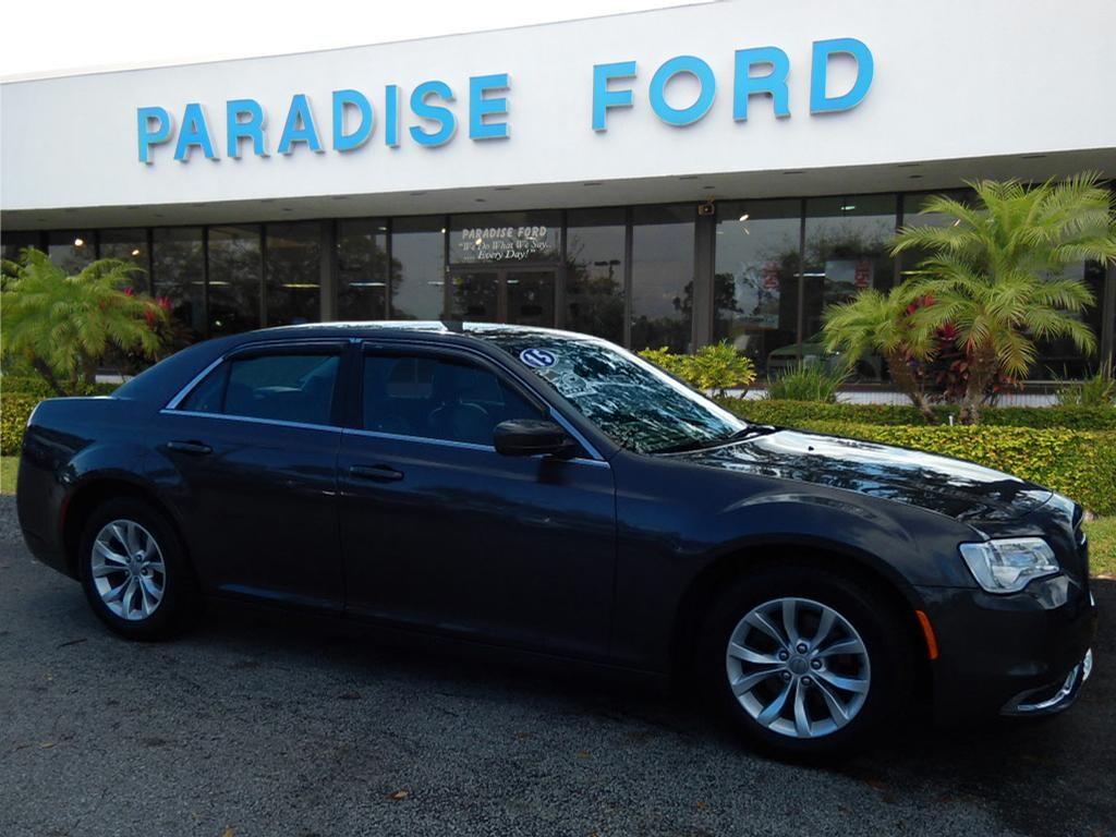 2015 Chrysler 300 Limited Limited  Sedan