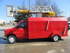 2009 FORD E-450 Gas 13 ft service box plus ladder bucket