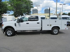 2017 Ford F-350 CREWCAB GAS WITH NEW READING SERVICE BOX Crew Cab
