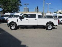 2017 Ford F-350 Crew Cab 4x4 gas long box XLT loaded Crew Cab