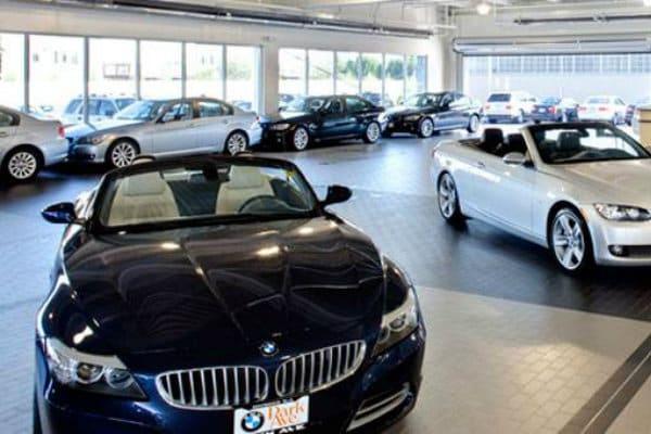 Park Ave BMW Indoor Drop Off Area