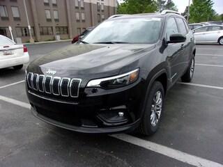 2019 Jeep Cherokee LATITUDE PLUS 4X4 Sport Utility for Sale in Lexington Park MD