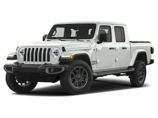 2020 Jeep Gladiator OVERLAND 4X4 Crew Cab for Sale in Lexington Park MD