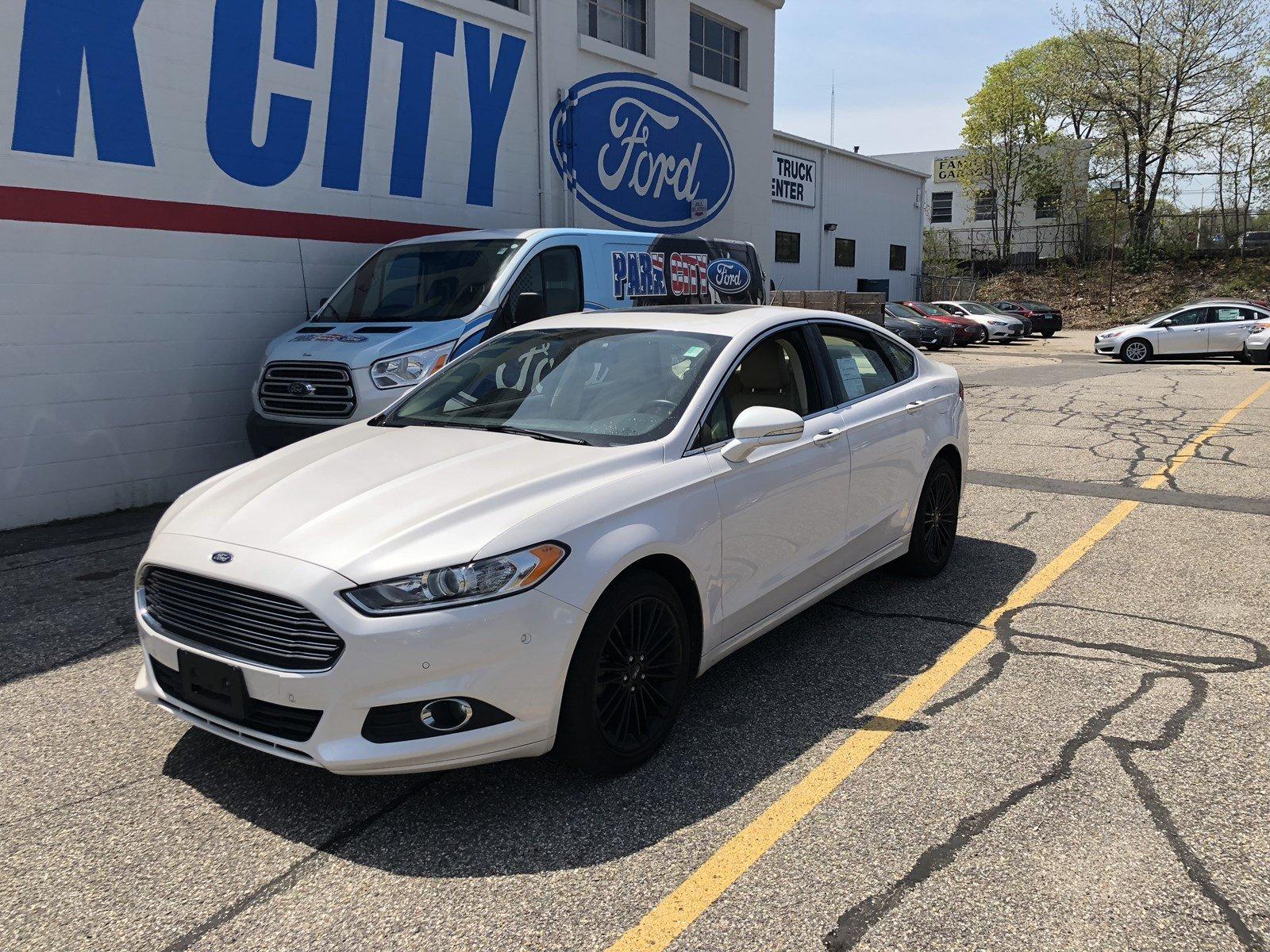 2016 Ford Fusion SE SE SEDAN