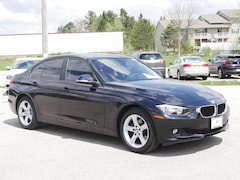2015 BMW 3 Series 328i xDrive AWD HEATED LEATHER SUNROOF Sedan