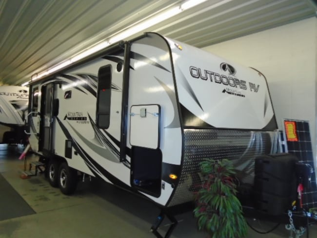 2019 OUTDOORS RV Creek Side 21 RD Mountain series