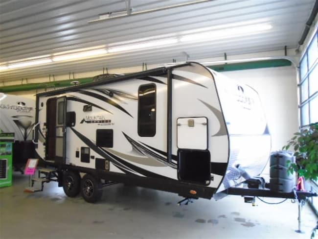 2019 OUTDOORS RV Creek Side 21 RBS Mountain series -