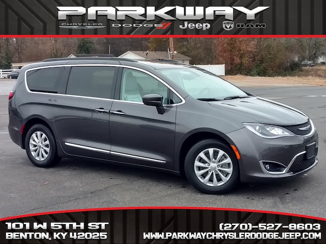 Used 2017 Chrysler Pacifica Touring-L in Benton, KY
