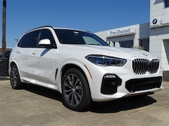 New 2019 BMW X5 M xDrive40i SUV 5UXCR6C55KLL23697 for Sale in Schaumburg, IL at Patrick BMW