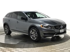 Certified Pre-Owned 2018 Volvo V60 Cross Country T5 AWD Wagon Q2663 for Sale in Schaumburg