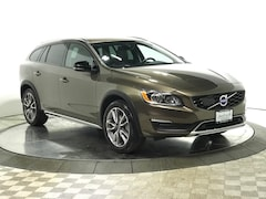 Certified Pre-Owned 2018 Volvo V60 Cross Country T5 AWD Wagon Q2669 for Sale in Schaumburg