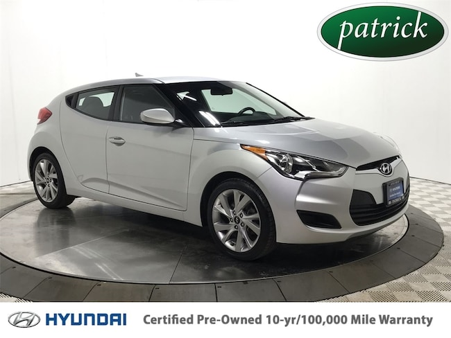 Certified Pre-Owned 2016 Hyundai Veloster Base 1.6L Ecoshift Hatchback for sale in Chicago area