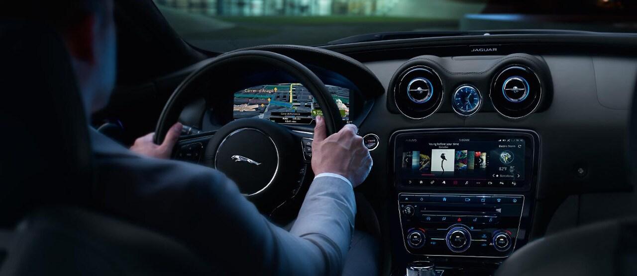 2018 Jaguar Xj Interior >> 2018 Jaguar Xj Interior Features And Specs Jaguar Of Naperville