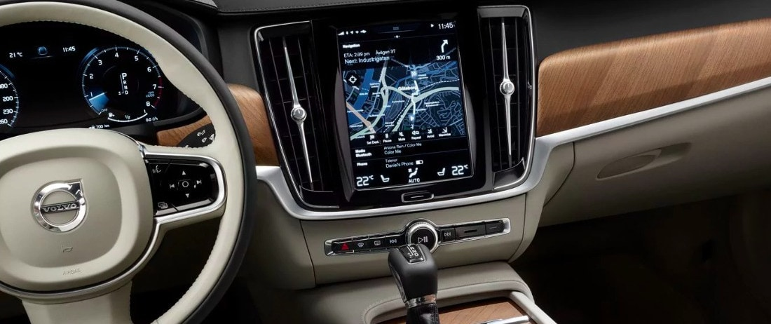 2018 Volvo S90 interior dashboard