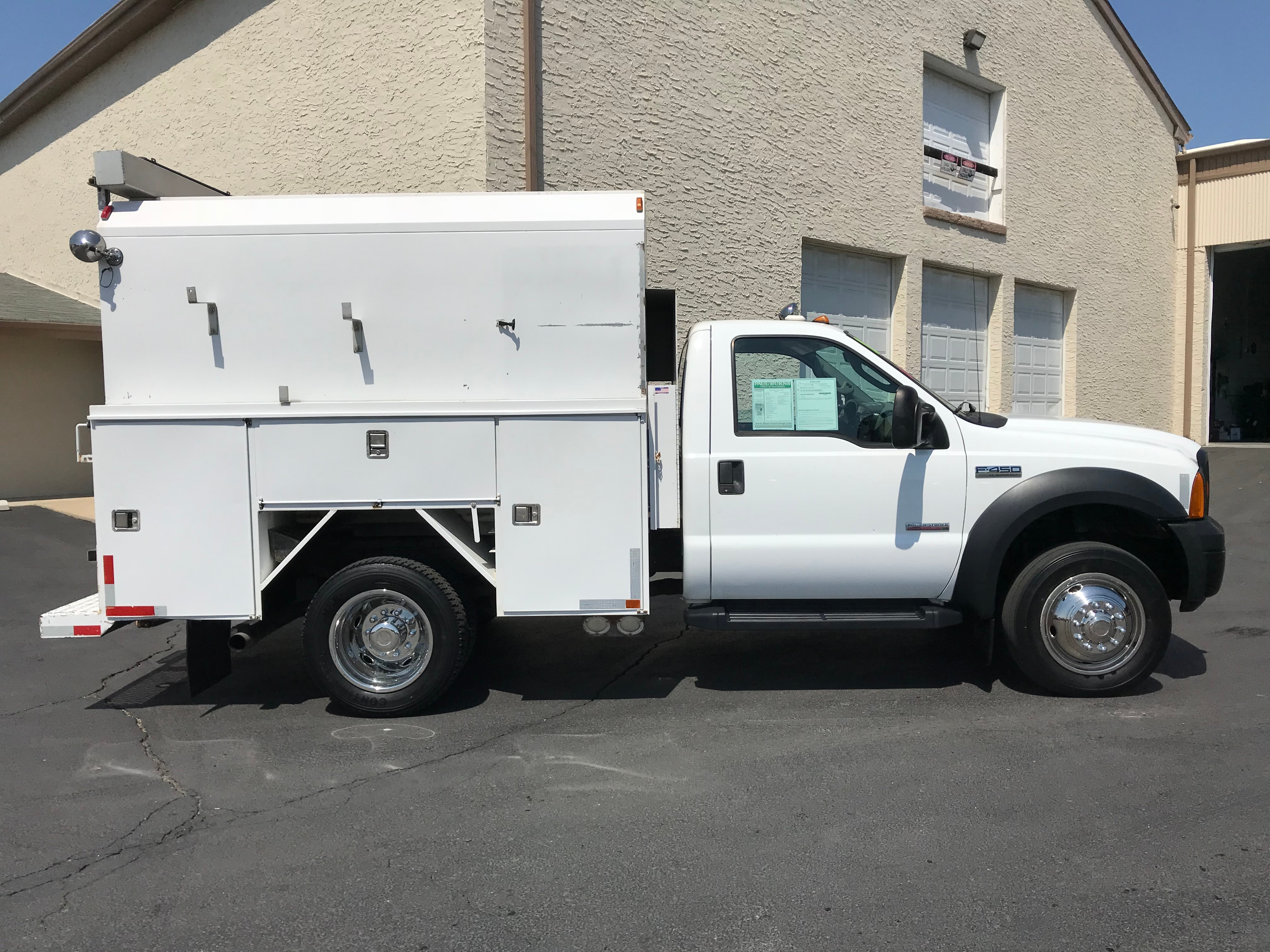 USED 2006 FORD F450 XL SERVICE - UTILITY TRUCK #569494