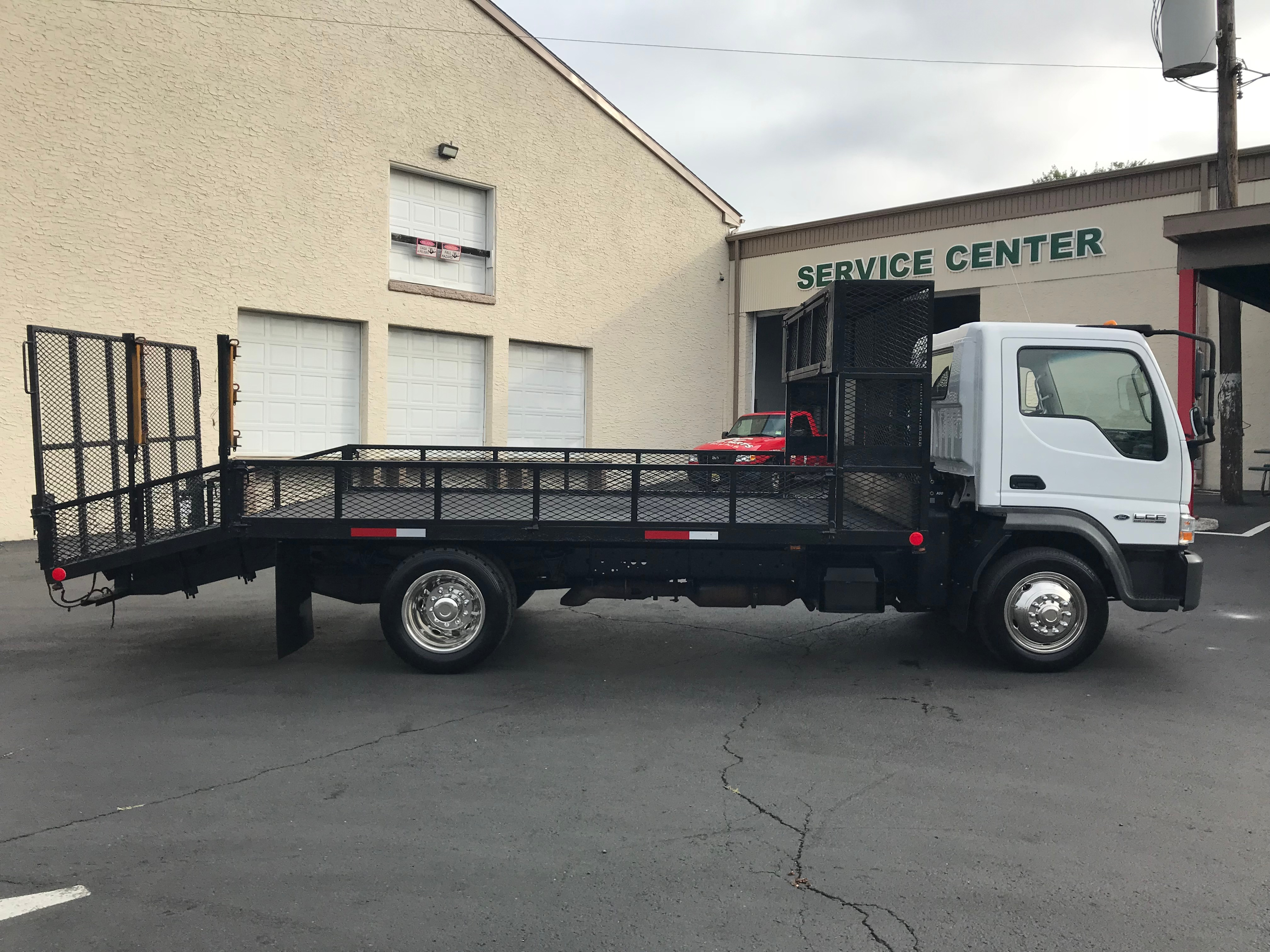 USED 2009 FORD LCF LANDSCAPE TRUCK #597606