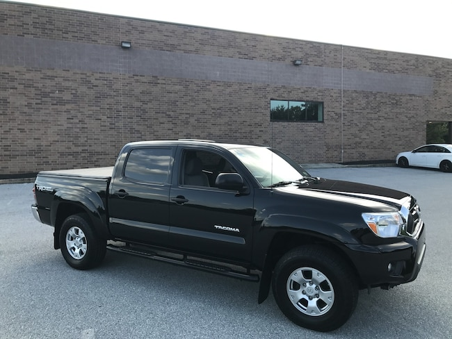 2013 Toyota Tacoma Double Cab V6 4x4 TRD Off-Road/Bluetooth/Rear Camera Truck Double Cab
