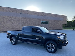 2016 Toyota Tacoma TRD Sport Double Cab 4x4 V6 - One Owner/Long Bed/Navigation/Heated Seats