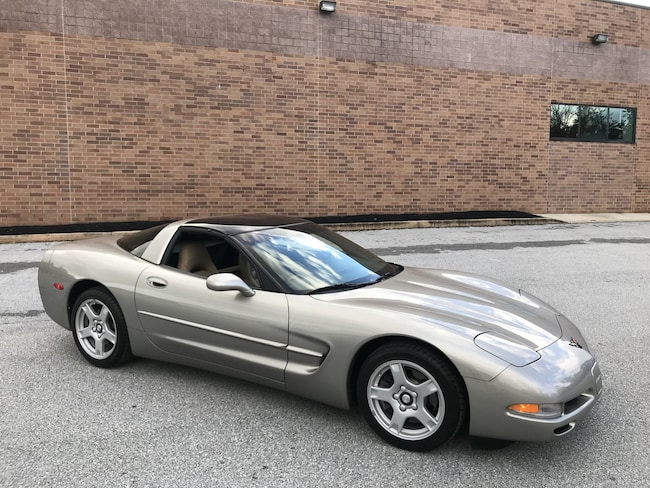 1999 Chevrolet Corvette Coupe 6-Speed/Active Handling/Dual Removable Tops Coupe