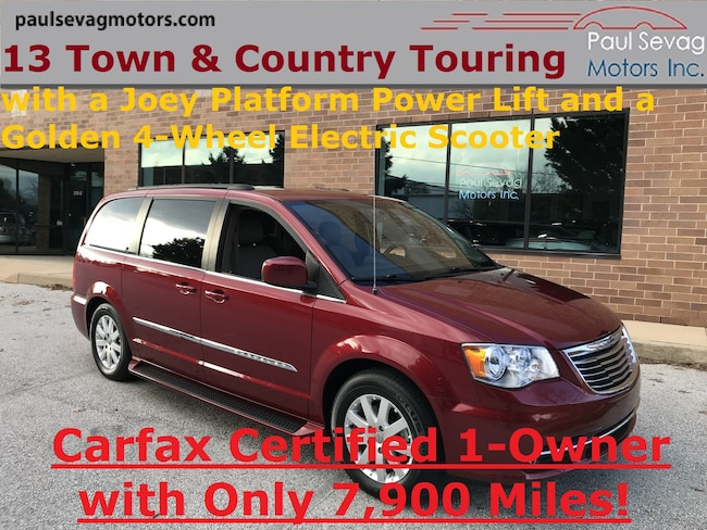 2013 Chrysler Town & Country Touring with JOEY PLATFORM LIFT & GOLDEN 4-WHEEL SCOOTER Van