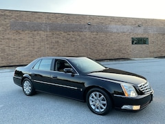 2008 CADILLAC DTS 1SC w/Navigation - Fully Serviced / Low Mileage