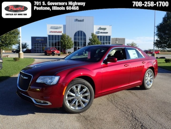 New 2019 Chrysler 300 TOURING L AWD Sedan in Peotone, IL