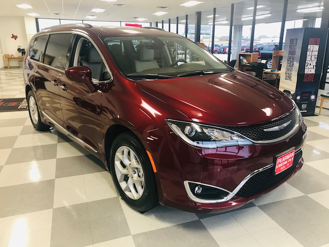 New 2019 Chrysler Pacifica TOURING L PLUS Passenger Van for sale in Alto, TX at Pearman Motor Company