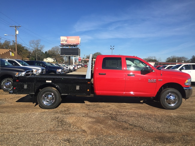 New 2018 Ram 3500 Chassis TRADESMAN CREW CAB CHASSIS 4X4 172.4 WB Crew Cab for sale in Alto, TX at Pearman Motor Company