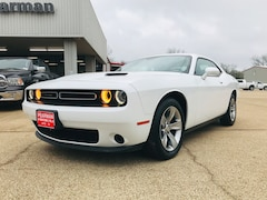 Used 2018 Dodge Challenger SXT Coupe 2C3CDZAG9JH245687 for sale in Alto, TX at Pearman Motor Company