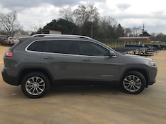 New 2019 Jeep Cherokee LATITUDE PLUS FWD Sport Utility 1C4PJLLB2KD358660 for sale in Alto, TX at Pearman Motor Company
