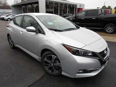 New 2018 Nissan LEAF SV Hatchback near Richmond