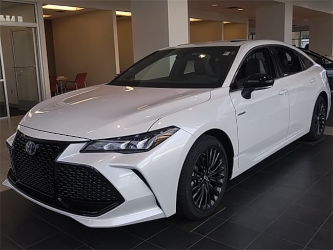 2019 Toyota Avalon Hybrid XSE Sedan